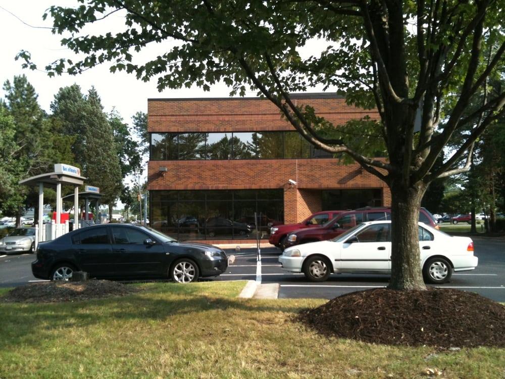 Bank of America: 10700 Midlothian Tpke, Richmond, VA