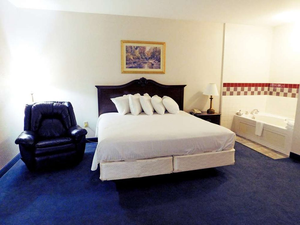 Americas Best Value Inn Fredonia: 2404 E. Washington St., Fredonia, KS