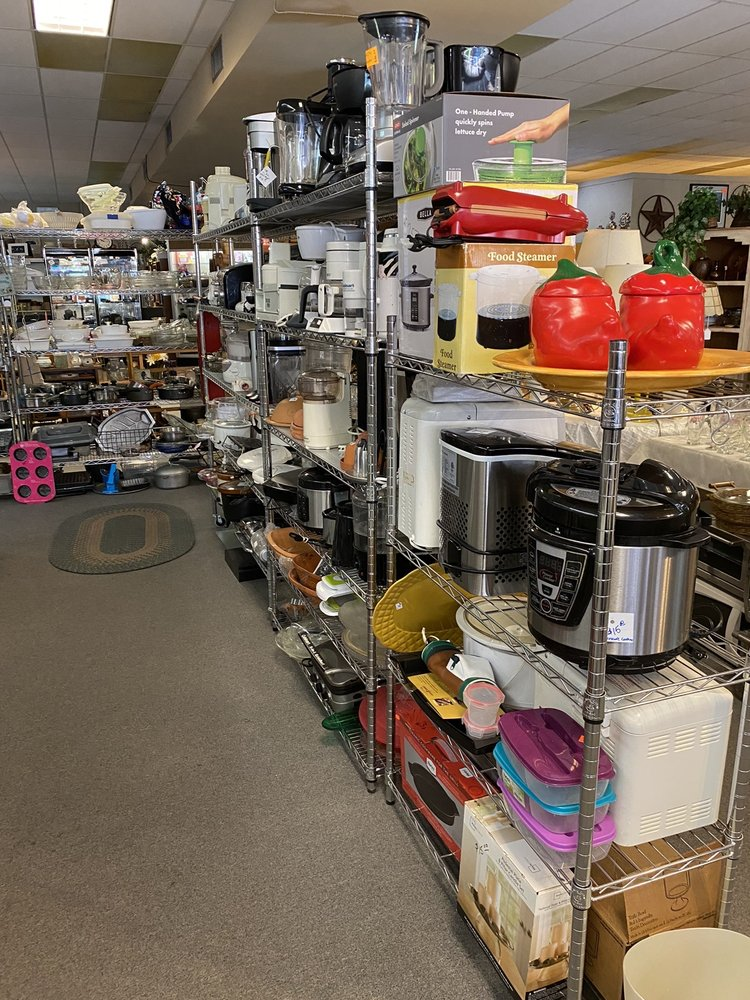 BowWow Meow Thrift And Consignment: 315 N Florence St, Casa Grande, AZ
