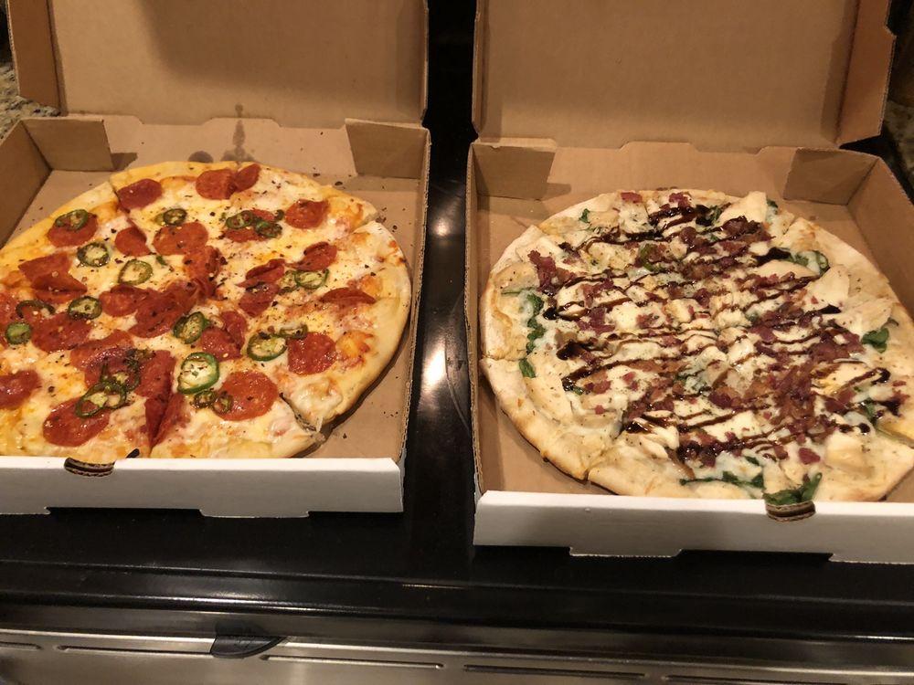 Bergheim Pizza Company: 1 Fm 3351, Boerne, TX