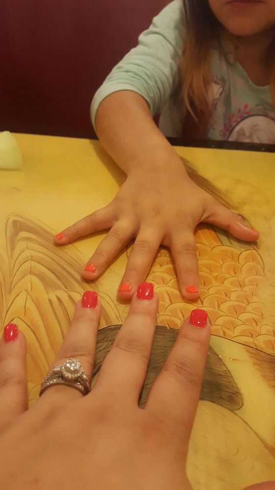 Golden Nail & Spa