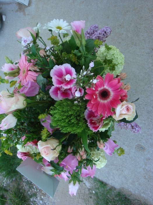 Victoria's Floral Design & Gifts: 7117 South St, Benzonia, MI
