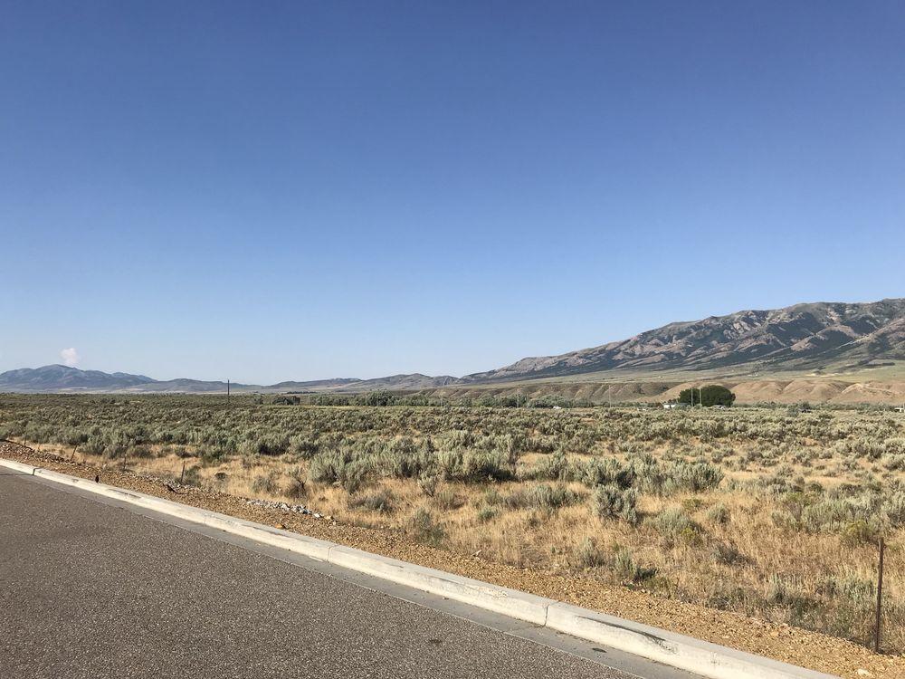 Flying J Travel Plaza: 587 E Highway 30, McCammon, ID