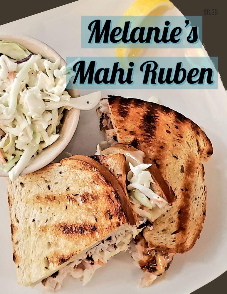 Melanie's Seafood: 120 E Park Ave, Lake Wales, FL