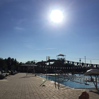 Life time athletic 32 photos 35 reviews personal for Garden city pool ny