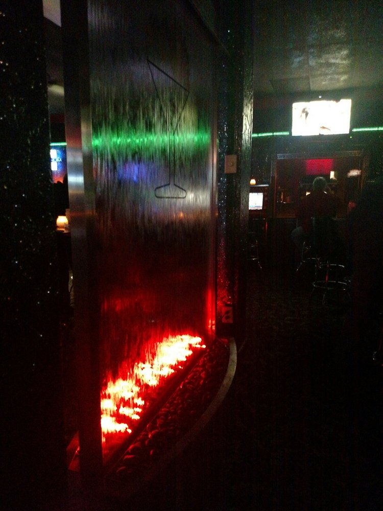 Flame Nightclub: 1612 Tower Ave, Superior, WI