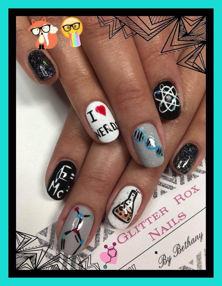 Glitter Rox Nails: Summerset, SD