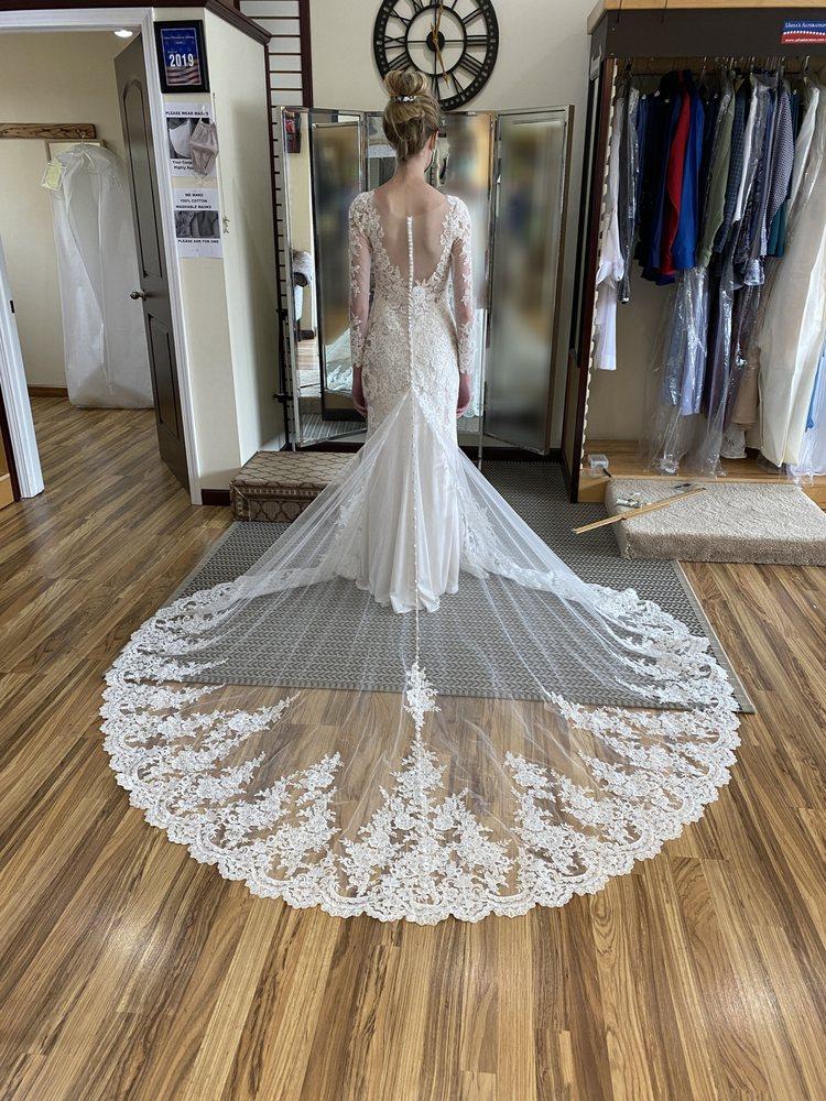 Usha's Alteration & Tailoring: 624 Gravois Rd, Fenton, MO