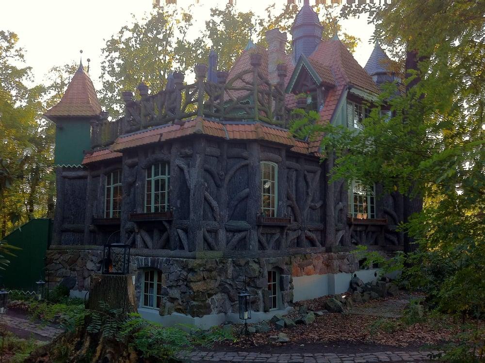 Fotos zu edmond 39 s literaturcaf hexenhaus yelp for Bauunternehmen falkensee