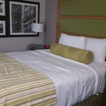 Photo of La Quinta Inn & Suites Far Rockaway - JFK Airport - Far Rockaway,