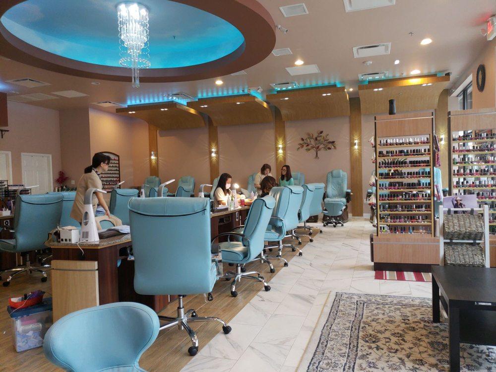 Maldives Spa & Nails: 2240 Navigation Blvd, Houston, TX