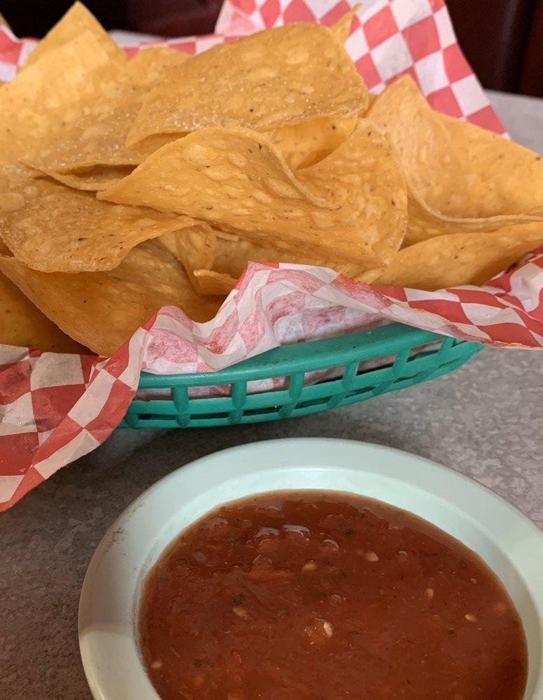 Las Lomas Mexican Restaurante: 350 US 1 Bypass, Louisville, GA