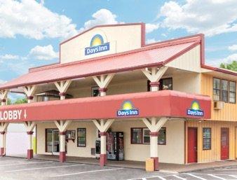 Days Inn by Wyndham Holladay: 13845 Highway 641 North, Holladay, TN