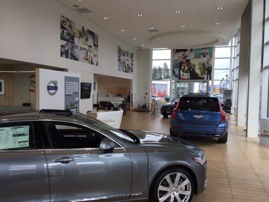 Herzog Meier Volvo 4180 Sw 141st Ave Beaverton Or Auto Dealers