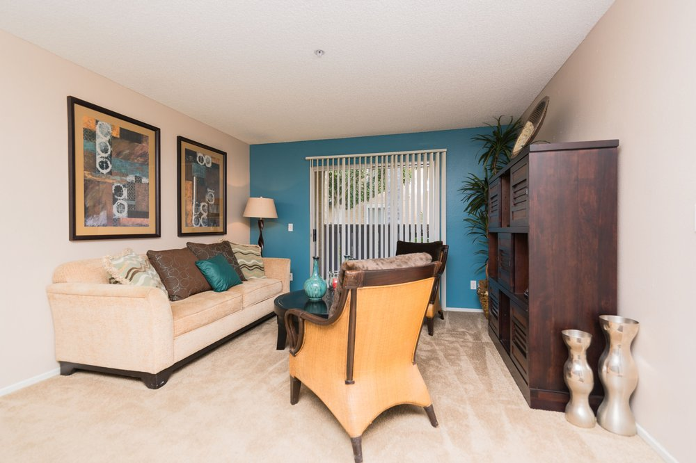 Maple Hill - 43 Photos & 14 Reviews - Apartments - 18215 Foothill ...