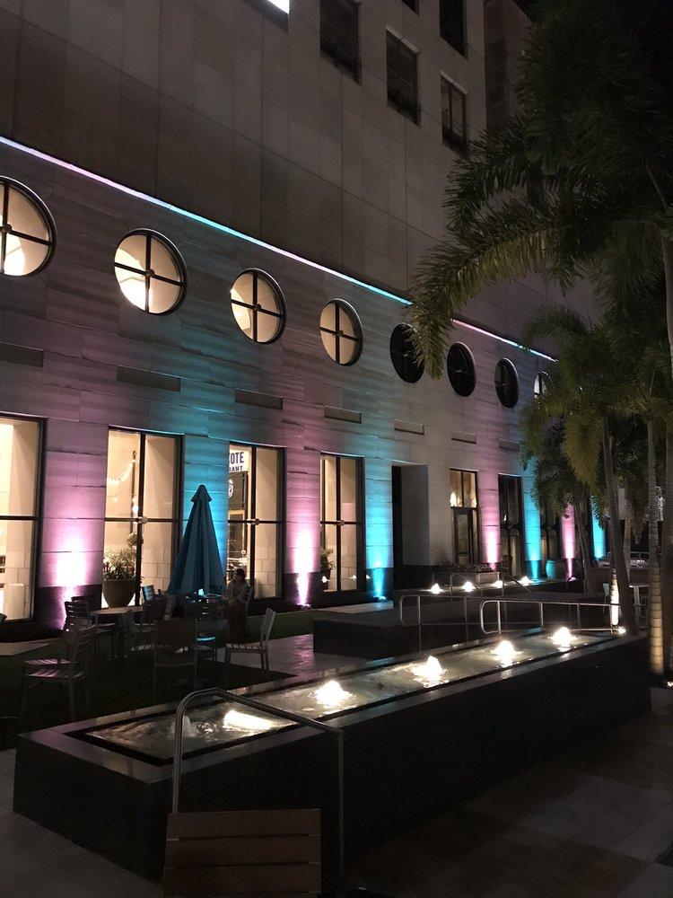 Courtyard 390: 390 N Orange Ave, Orlando, Florida, FL