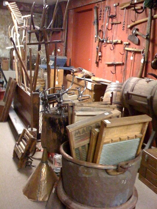 Country At Heart Antiques: 470 Main St, Marseilles, IL