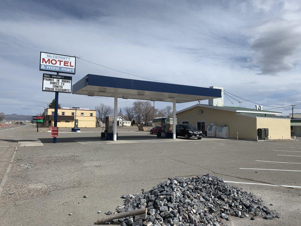 Mcdermitt Gas Motel: 55 US Hwy 95, McDermitt, NV