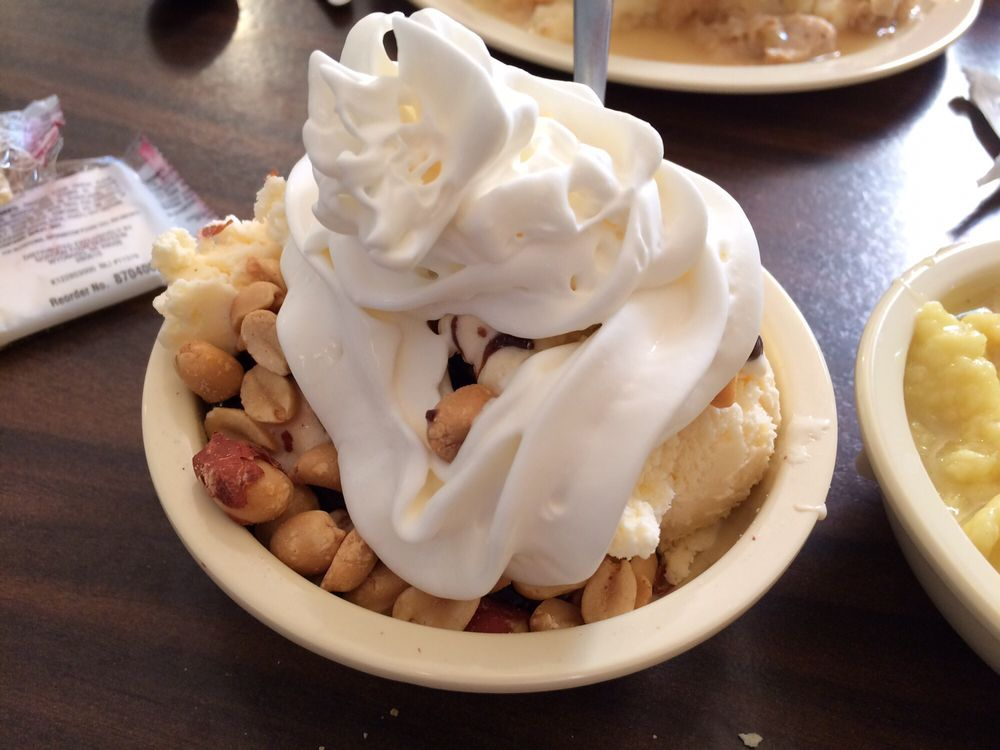 Tina's Diner & Dairy Stop: 4315 Madison St, Roseville, OH