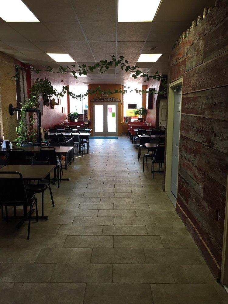 Courtside Restaurant Lounge: 112 E Spring St, Lagrange, IN
