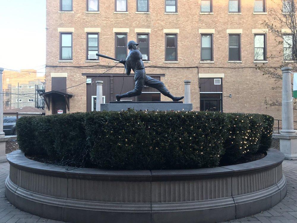 Piazza DiMaggio: 1437 W Taylor St, Chicago, IL