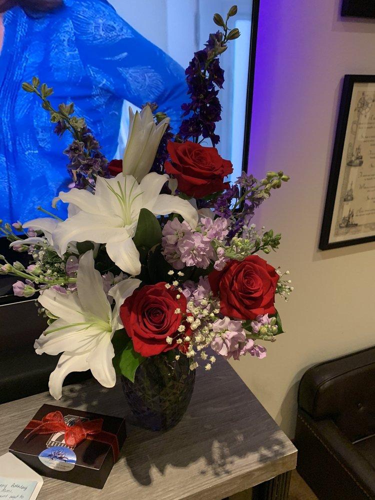 Blaine Bouquets: 633 Peace Portal Dr, Blaine, WA