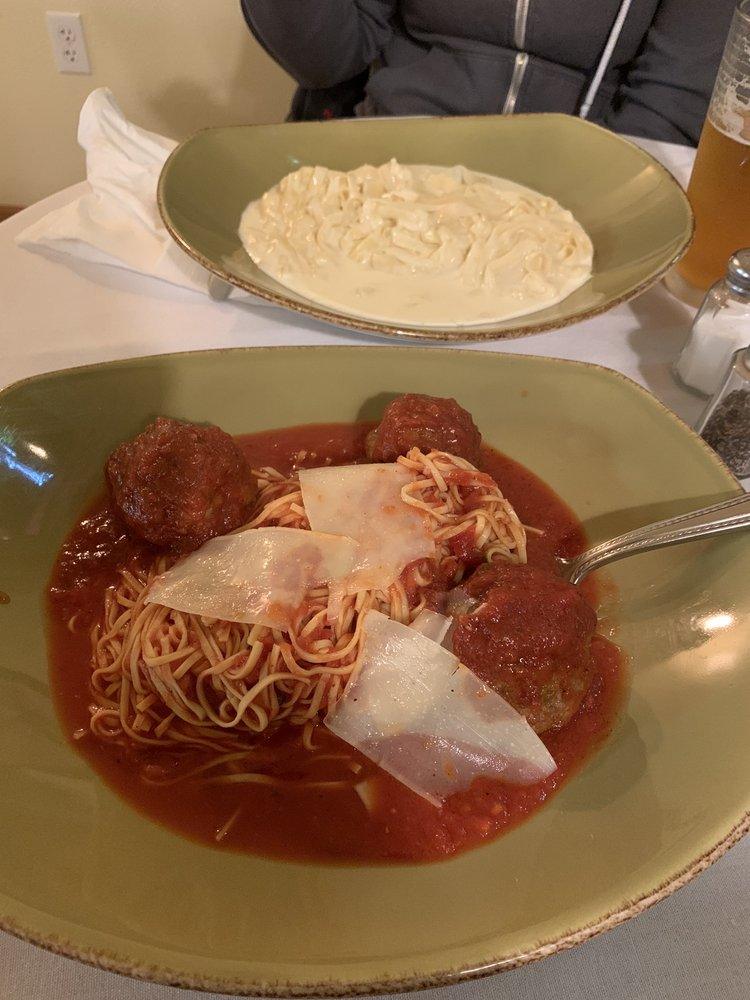 Momma's Pasta: 47482 Hwy 58, Oakridge, OR