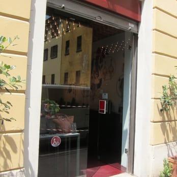 Rosso prezioso accessori via s fermo 1 moscova for Via san fermo milano