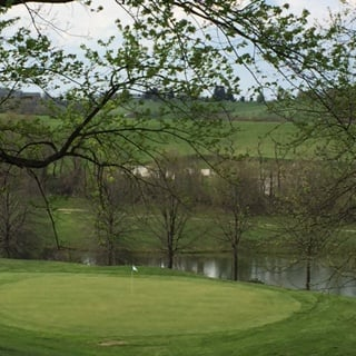 Village Green Golf Course: 4050 Henderson Rd, Hickory, PA