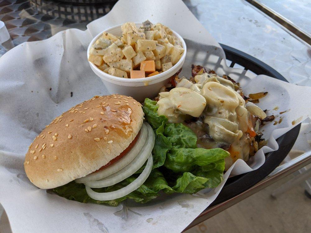 Smashers Cafe: 521 Chestnut St, Carlin, NV