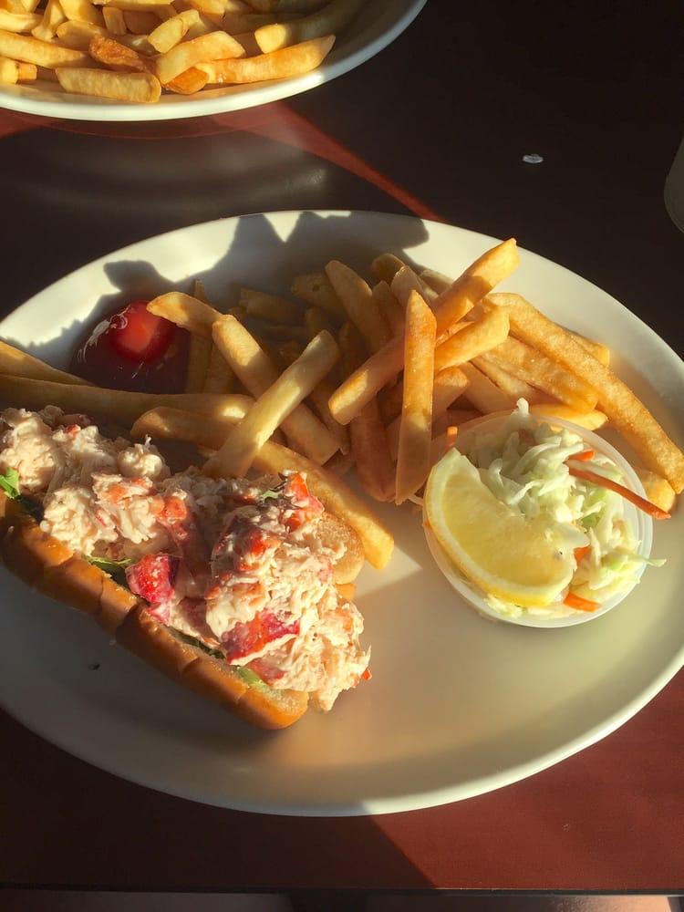 Dockside Restaurant: 6 E Side Dr Rt 28A, Alton, NH