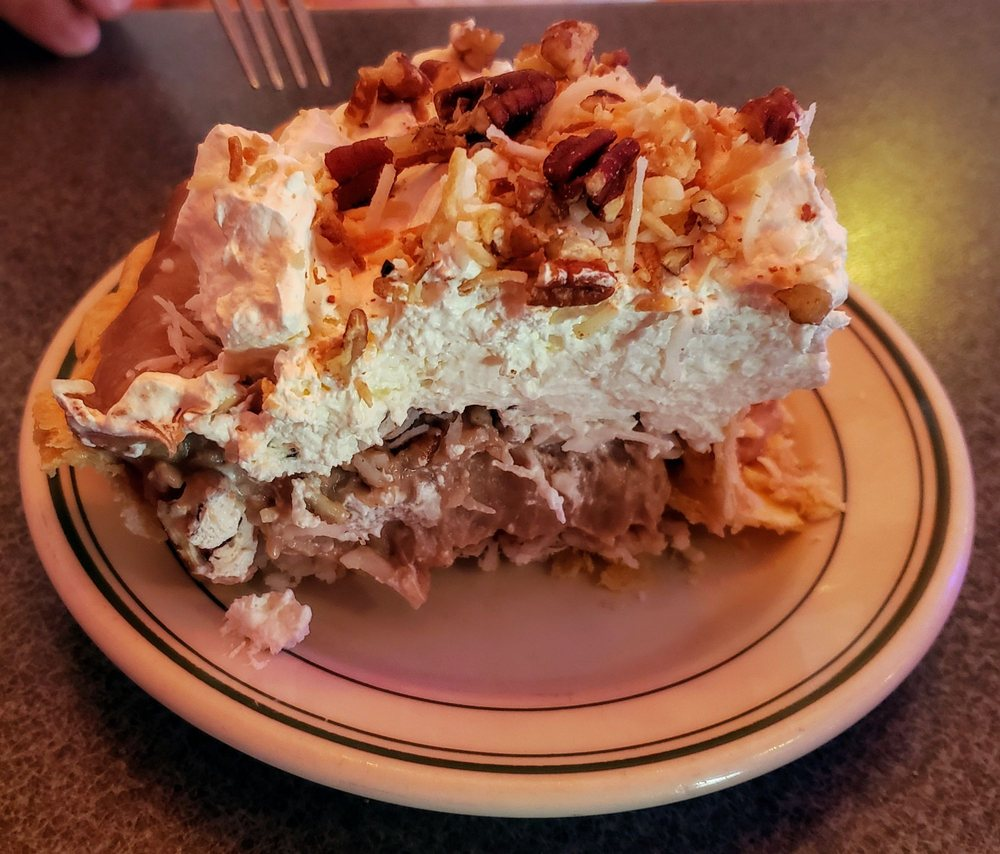 Mom's Diner: 213 N Defiance St, Archbold, OH