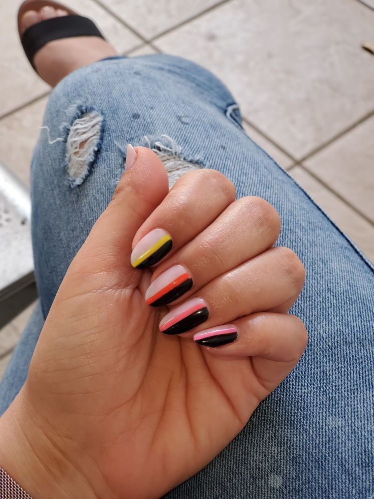 Neo Nail Bar: 905 Crandon Blvd, Key biscayne, FL