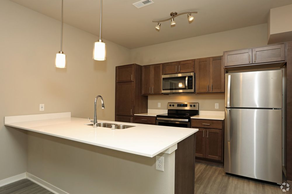 Breeze Terrace Apartments: 10981 116th Ave, Pleasant Prairie, WI