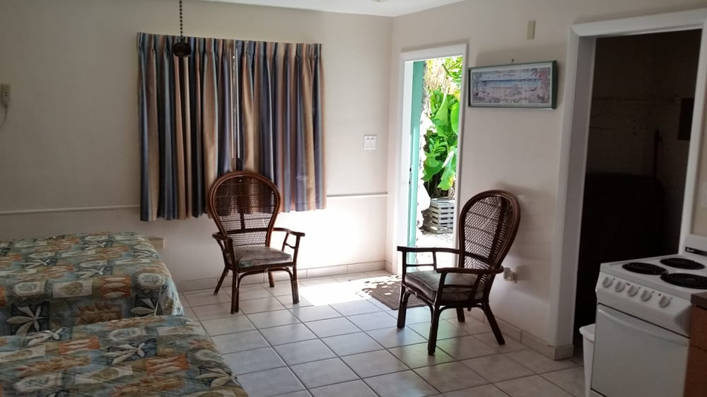 Royal Hawaiian Motel Botel Hotels 12020 Overseas Hwy Marathon Fl Phone Number Yelp
