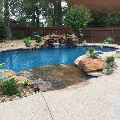 Custom designs pool company pool cleaners 904 e hwy for Custom made above ground pools