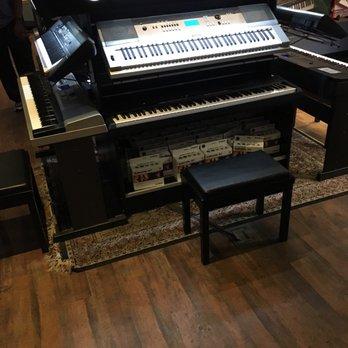 guitar center 17 photos 31 reviews guitar stores 2200 s ih 35 round rock tx phone. Black Bedroom Furniture Sets. Home Design Ideas