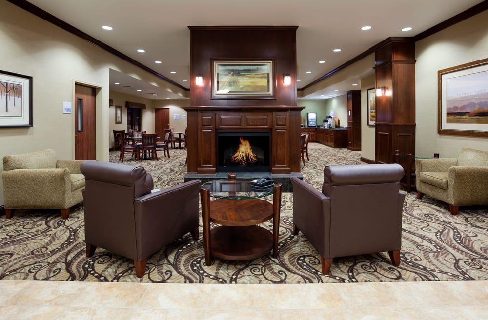 Holiday Inn Express & Suites Mason City: 3041 4th St SW, Mason City, IA