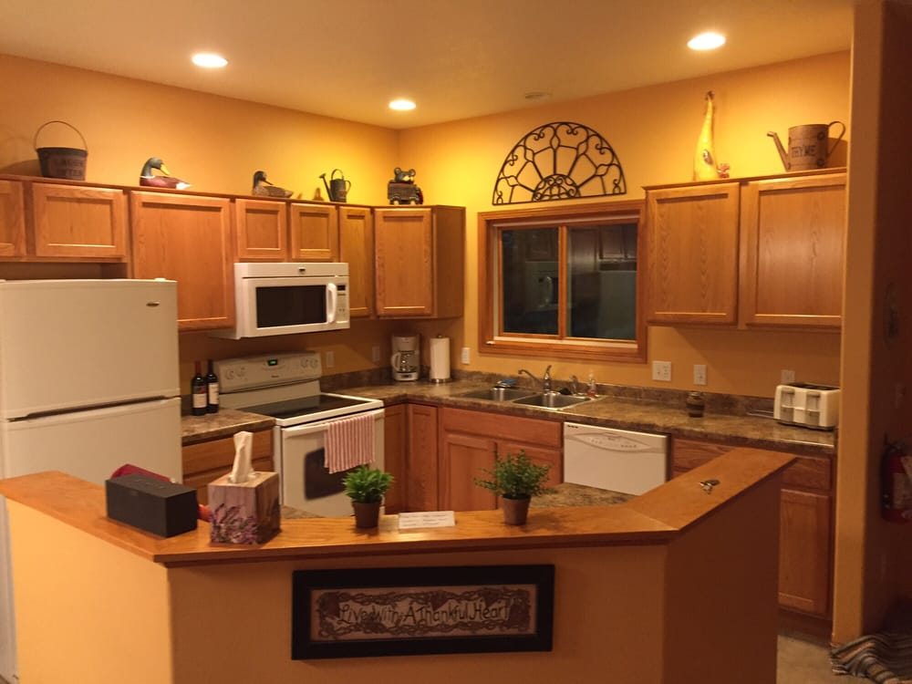 Inn At Lonesome Hollow: 15415 Vance Rd, Soldiers Grove, WI