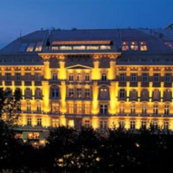 Vienna Hotels Near Christmas Markets