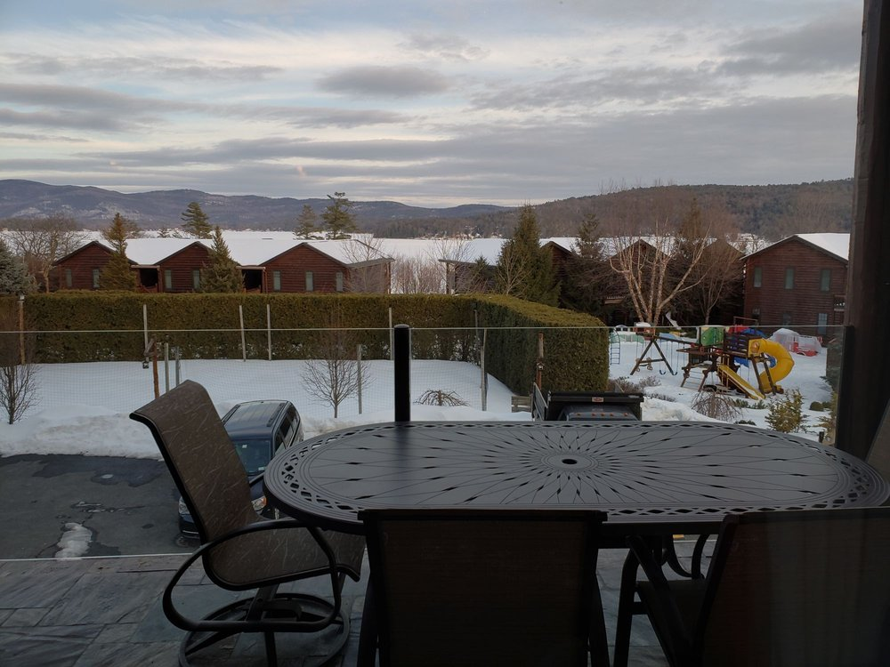 The Lodges at Cresthaven: 3210 Lake Shore Dr, Lake George, NY