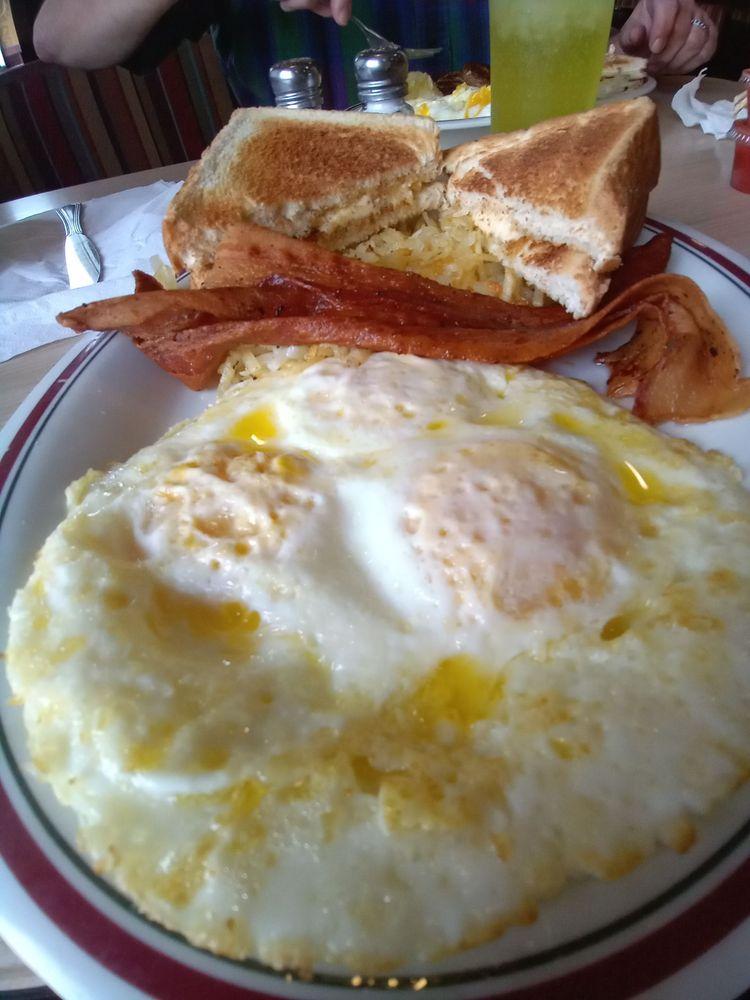 Austin's Diner: 221 Market Ave, Port Edwards, WI