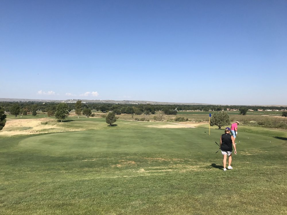 Lake Carlsbad Golf Course: 901 Muscatel Ave, Carlsbad, NM