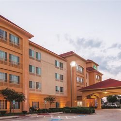 Photo Of La Quinta Inn Suites Gainesville Tx United States