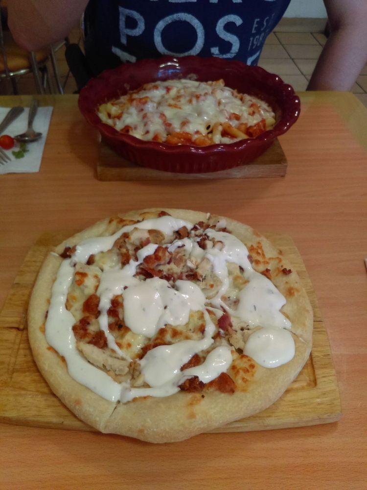 Fabrizio's Italian Restaurant & Pizza: 1609 Centre St, Ashland, PA