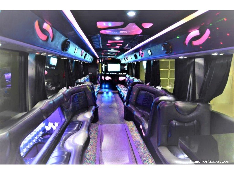 Passengers Party Bus Coach With Bathroom Yelp - Party bus with bathroom