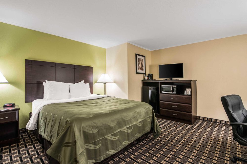Quality Inn Barre-Montpelier: 173 S Main St, Barre, VT