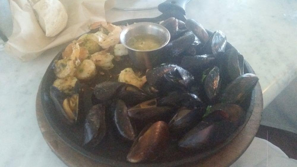Mussels shrimp medium 6 21 15 yelp for Dead fish crockett
