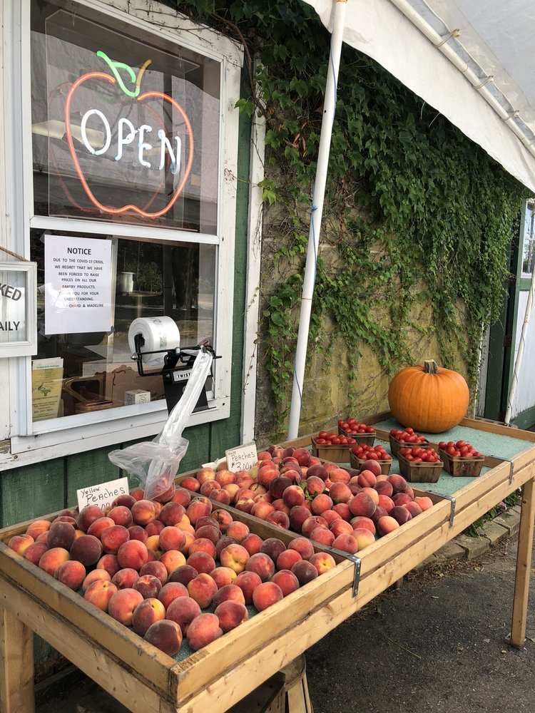 Flying Cloud Orchards: 540 Main St, Acushnet, MA