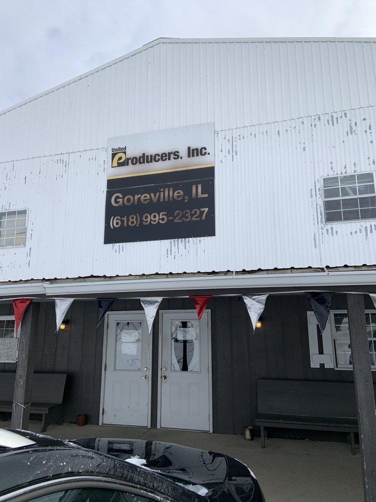 Longhorn Cafe: 448 N Rte 37, Goreville, IL